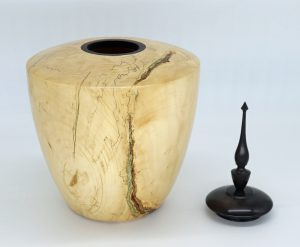 urna con finial